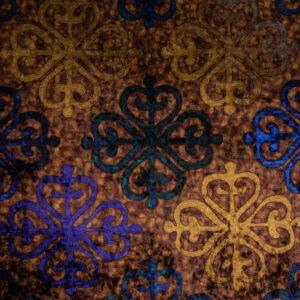 herrlicher Samt, ornamental gemustert, Brauntöne, Ocker, Royalblau